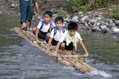 Who needs a school bus? Filipino pupils ford streams, ride motorbikes and even build a RAFT to get to class Schools Around The World, People Of The World, Around The Worlds, Life Is Hard, World History, First Day Of School, Beautiful Children, Rafting, Cool Photos