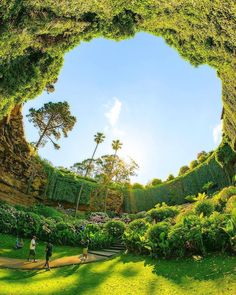 Sunken Garden at the Umpherston Sinkhole, one of the most spectacular gardens located in the Mount Gambier, South Australia.