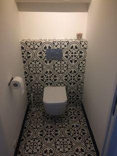 Strak Toilet