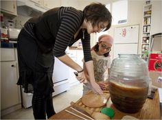 Kombucha Tea Attracts a Following and Doubters - The New York Times