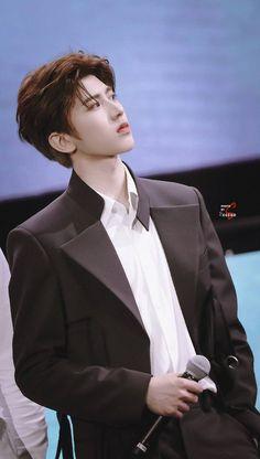 Cre: the owner/as logo Korea Boy, Boy Idols, Beautiful Men Faces, Korean Couple, K Idol, Chinese Boy, Chinese Actress, Male Face, Hot Boys