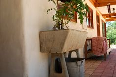 Love the old concrete wash tub - would like in the mud room / back verandah for garden hands