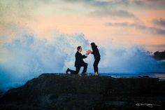 Una proposta di matrimonio burrascosa fotografata da Jonathan Hwang ... tra gli spruzzi di quell'acqua e i guizzi di quelle emozioni, tanto impetuosi e incontrollabili da rappresentare una sfida irrinunciabile per ogni fotografo...