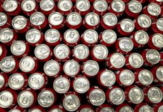 Drinking more than four sweetened beverages a day, especially diet soda, doesn't appear to be good for one's mood, a study by the U. National Institutes of Health found. Sugar In Drinks, Healthy Foods To Eat, Healthy Recipes, Diet Drinks, Beverages, No Sugar Diet, Dealing With Stress, Fruit Punch, Healthy Weight Loss
