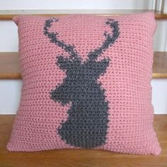 "Ravelry: LBK63's 18"" Deer Silhouette Pillow Cover Graph"