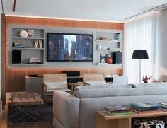 Para dar leveza ao home theater, o projeto explorou a iluminação: fitas de ...