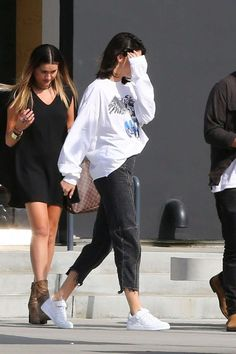 Kendall Jenner Leaves a Studio in Culver City Ce.- Kendall Jenner Leaves a Studio in Culver City Celebrity Fashion and … – - Italian Street Style, Berlin Street Style, Rihanna Street Style, European Street Style, Looks Street Style, Model Street Style, Looks Style, Models Style, Look Fashion