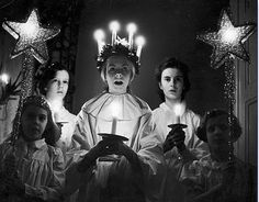 Choir of Swedish girls singing carols on St. Lucia Day, which is celebrated on December Swedish Christmas, Christmas Love, Scandinavian Christmas, Xmas, Scandinavian Festival, Christmas Pictures, Christmas Ideas, Sankta Lucia, Santa Lucia Day