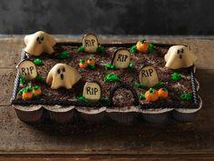 Graveyard Pull-Apart Cupcakes