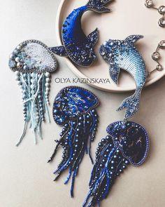 5,052 отметок «Нравится», 96 комментариев — Броши ручной работы (@kazinskaya_olya) в Instagram: «Подводный мир🌊 В наличии одна синяя медуза и синяя рыбка О намерении приобрести пишите,…»