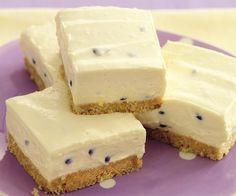 Make Kondensmelk-Grenadilla Tert Tart Recipes, Sweet Recipes, Baking Recipes, Dessert Recipes, Yummy Treats, Delicious Desserts, Sweet Treats, Yummy Food, Kos