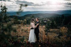 Bryllup på Noreheim Norefjell  www.pixlight.no/bryllupsfotograf Couples, Couple Photos, Dance In, Couple Shots, Romantic Couples, Couple, Couple Pics