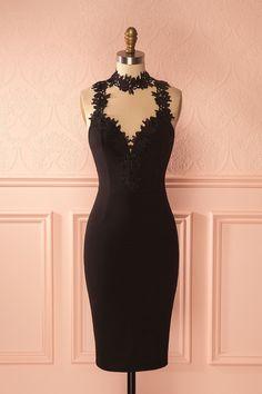 A little black dress to enjoy the best parties! #cocktaildresses #bridesmaids #Boutique1861