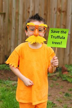 Diy dr seuss lorax costume super easy i used 2 different shades the lorax costume diy dr seuss costume solutioingenieria Image collections