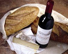 My staple meal in France - Vin et baguettes avec le fromage de camembert- Tres Bien!!