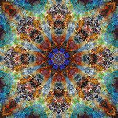 Mandala One Hundred Thirty - Deco Echo