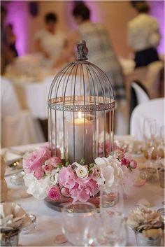 Jaula para bodas con velas para una recepción en en castillo de Château de…