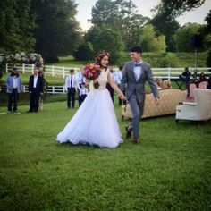 John Luke and Mary Kate Robertson Wedding.How I want my wedding❤️ John Luke Robertson, Mary Kate Robertson, Robertson Family, Sadie Robertson, Jep And Jessica, Duck Commander, Duck Dynasty, Always And Forever, Marry Me