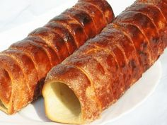 Kürtőskalács sütőben sütve Hungarian Desserts, Hungarian Cake, Hungarian Cuisine, Hungarian Recipes, Kurtos Kalacs, Cookie Recipes, Snack Recipes, Waffle Cake, Good Food