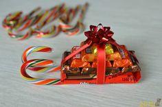 Подарки из конфет своими руками на Новый год 2018 - https://mana.su/podarki-iz-konfet-svoimi-rukami-na-novyy-god-2018