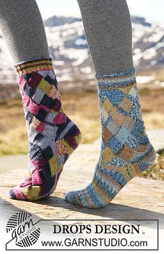 Entrelac knitted sock pattern free! Diamond square diy crazy socks.