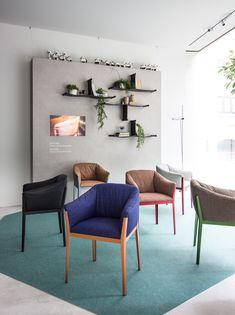 52 Simple Bookshelf Design Ideas That are Popular Today - Home-dsgn Diy Bookshelf Plans, Simple Bookshelf, Bookshelf Design, Minimalist Dining Room, Cute Bedroom Ideas, Office Interior Design, Diy Home Improvement, Dining Room Design, Living Room Decor
