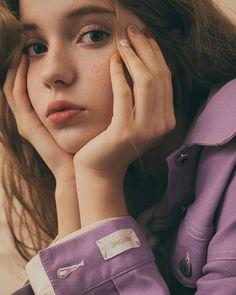 MILOさんはInstagramを利用しています:「❝NEW WORK❞ @pazzo @pantone #aw18 #autumn #winter #pantone #collection #trend #details #style #girl #workit #makeup #makeuptalk #motd…」