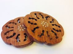Teak Wood Floral Cut-out Coasters Trivets Set of Coasters Table Decor with White Inlay Flower Bottle Coaster Indoor Outdoor Dining Decor