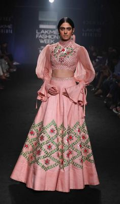 Bored of seeing the same old lehenga colors?Want to wear something completely out the box different? Check out these 2 New Lehenga Colours that are amazing. India Fashion Week, Lakme Fashion Week, Lehenga Designs, Saree Blouse Designs, Indian Wedding Outfits, Indian Outfits, Wedding Dress, New Lehenga, Pink Lehenga