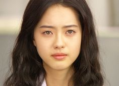 Actress Go Ara's unique and beautiful light-colored eyes seem to have gotten darker over the past years. Go Ara was born with gorgeous lig. Go Ara, Korean Beauty Girls, Asian Beauty, Stunning Eyes, Stunningly Beautiful, Grey Green Eyes, Uzzlang Girl, Hazel Eyes, Korean Actresses