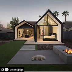 House Extensions: Amazing Small Home Renovation In Phoenix Architecture Beast Modern Barn House, Modern House Design, Minimalist House Design, Architecture Design, Plans Architecture, Minimal Architecture, Casas Containers, Home Fashion, Exterior Design