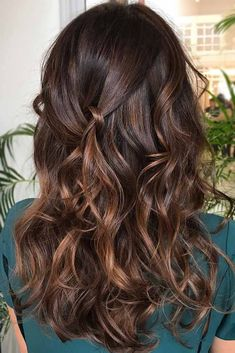 Flamboyage Technique ❤ Balayage Is The Hottest New Hair Trend! Here we have collected our favorite balayage hairstyles. Now, you will learn how to get it so that it is absolutely best for you! Brown Hair With Blonde Highlights, Brown Ombre Hair, Brown Hair Balayage, Ombre Hair Color, Hair Color Balayage, Light Brown Hair, Brown Hair Colors, Dark Brunette Balayage, Auburn Highlights