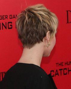 Cool back view undercut pixie haircut hairstyle ideas 4