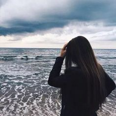 Image about girl in Fille💜 by Adele on We Heart It Tumblr Photography, Girl Photography Poses, Beach Photography, Top Fotografie, Shotting Photo, Tumbrl Girls, Insta Photo Ideas, Jolie Photo, Summer Pictures