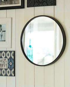 A stylish large round black contemporary wall mirror with a minimal metal frame. With elegant modern styling, this mirror works well anywhere in the home. Black Round Mirror, Large Round Wall Mirror, Mirror With Hooks, Round Mirrors, Window Pane Mirror, Contemporary Wall Mirrors, Contemporary Bedroom, Metal Walls, Frame