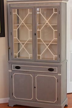 Hip Hip Handmade: Painted China Cabinet. Gorgeous contrast trim.