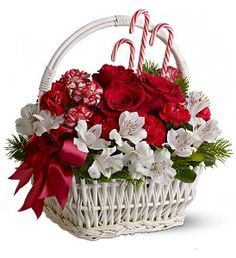 Best Florist in Miami & Hialeah - Flowers & Chocolates - Balloons - New Born - Anniversary Flowers - Sympathy Floral Arrangements - Delivery of Flowers near me Christmas Flower Arrangements, Special Flowers, Christmas Flowers, Christmas Tea, Christmas Centerpieces, Floral Arrangements, Table Centerpieces, Christmas Decorations, Flowers Canada