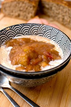 Äppelkräm med kanel Wine Recipes, Chili, Food And Drink, Soup, Pudding, Sweets, Breakfast, Desserts, Lunch Ideas