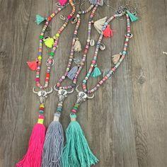 Cheap Nuevo Llegado estilo Bohemio Étnico Nepal Madera de Plumas Borla Colgante Largo Collar de la Señora para el Vestido, Compro Calidad Collares directamente de los surtidores de China:  NOMBRE de FÁBRICA: Jaasa JoyeríaTIPO DE ARTÍCULO: COLLARMATERIAL:-COLORES:-EMBALAJE: BOLSO de OPP, cartónMOQ: La