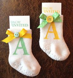 Get unique and easy DIY Baby Shower Invitations Ideas to Make at Home to invite your guests in a different and cute way.Handmade invitations Source by laekblad Idee Baby Shower, Shower Bebe, Simple Baby Shower, Diy Shower, Shower Party, Baby Shower Parties, Baby Shower Themes, Baby Boy Shower, Baby Shower Decorations