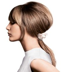 I love the volume and shape of this low ponytail.