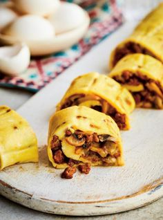 RICARDO | Rolled Sausage and Mushroom Omelette