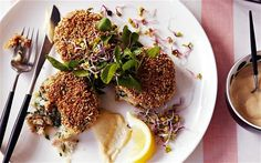 Smoked mackerel fishcakes coated in pinhead oatmeal and pan-fried, served with a peppery horseradish mayonnaise - tried and tasted. Surimi Recipes, Endive Recipes, Fish Recipes, Vegetable Recipes, Mackerel Fish, Smoked Mackerel, Coffe Recipes, Oats Recipes, Fish Cakes Recipe