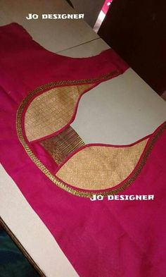 Pretty presentation of the breast by design Blouse Neck Patterns, Saree Blouse Neck Designs, Designer Blouse Patterns, Dress Sewing Patterns, Patch Work Blouse Designs, Fancy Blouse Designs, Blouse Designs Catalogue, Churidar Designs, Stylish Blouse Design