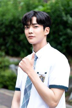 welcome to sfnet Handsome Korean Actors, Handsome Boys, Kim Ro Woon, Justin Gray, Chani Sf9, Sf 9, School 2017, Kdrama Actors, Asian Actors