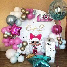 Lol Dolls, Balloon Decorations, Ornament Wreath, Birthday Parties, Backdrops, Christmas Bulbs, Balloons, Holiday Decor, Party