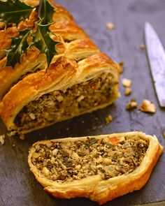 kale, quinoa and nut roast en croute -You can find Kale and more on our website.kale, quinoa and nut roast en croute - Vegetarian Christmas Dinner, Vegetarian Thanksgiving, Thanksgiving Side Dishes, Vegetarian Roast Dinner, Vegetarian Turkey, Holiday Dinner, Quinoa, Whole Food Recipes, Cooking Recipes