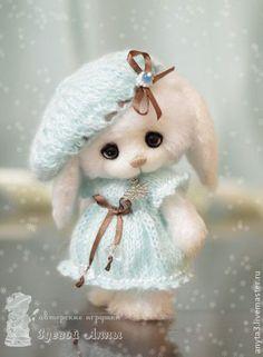 Зайка Снежинка - вязаная игрушка. Handmade.