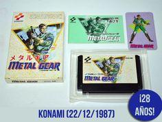 """22/12/1987. Metal Gear (メタルギア), la obra emblema de Hideo #Kojima, y la franquicia más exitosa de #Konami, llegó a #Nintendo #Famicom en #1987 tras su paso por el ordenador MSX2.  Un juego de """"infiltración"""" del que se ha escrito miles de páginas, que ha dado vuelta el mundo entero y (gracias asus entregas posteriores) ha ido revolucionando desde siempre la industria de videojuegos."""