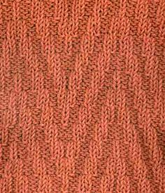Reversible elongated chevron stitch